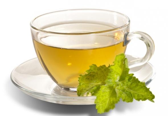 Rien de tel que le thé vert pour accélérer le brûlage des graisses.
